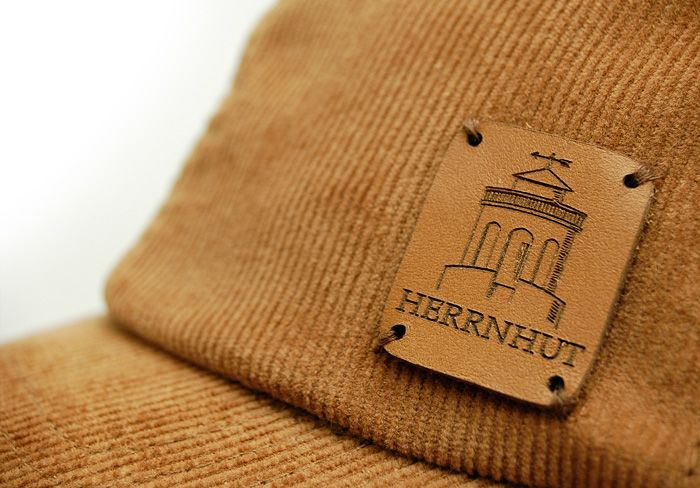 Herrnhut Collection Cap Detail mit Lederpatch